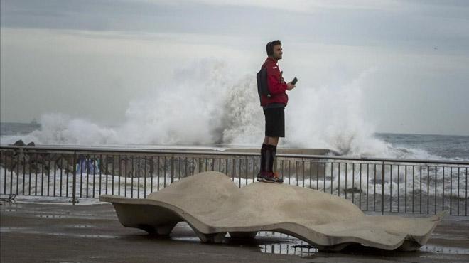 Cap de setmana amb fort temporal de vent i onades a Catalunya