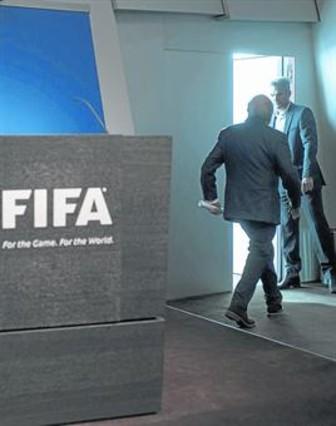 Blatter se rinde