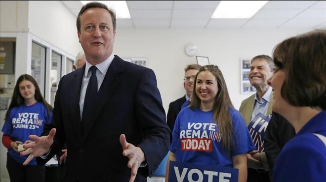 'In': Cameron s'aferra a l'economia per demanar el vot a favor d'Europa