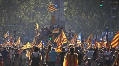 Los catalanes, cansados por el bucle del 'procés'
