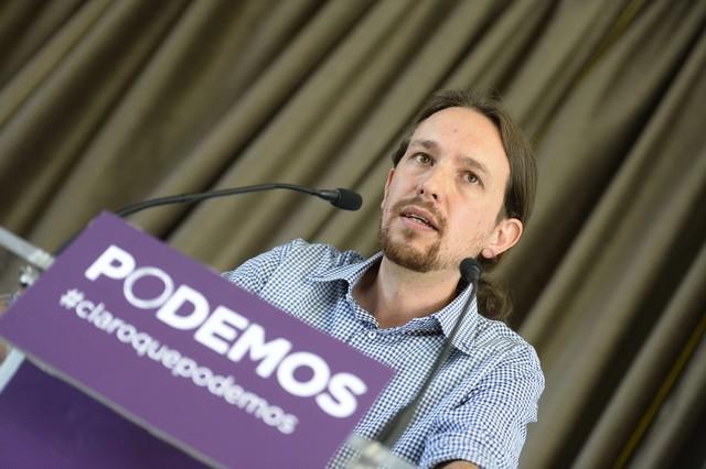 """Pablo Iglesias dice que la monarquía está vinculada a la """"corrupción"""" y el """"pasado"""" y pide un referendo"""