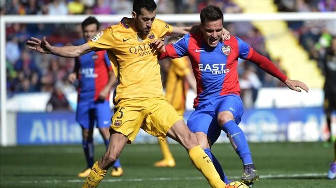 Sergio Busquets, durante el duelo ante el Levante