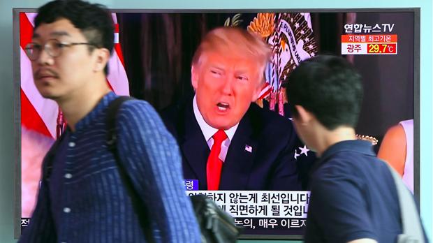 """Trump amenaça de respondre amb """"foc i fúria"""" a Corea del Nord"""
