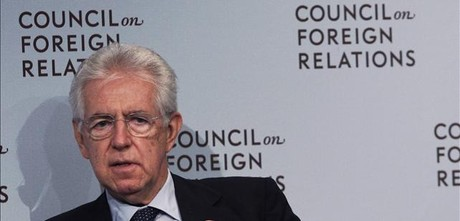 Mario Monti habla en el acto organizado en Nueva York, este jueves.