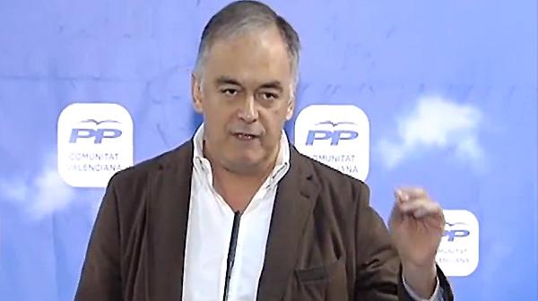 Este domingo durante un acto del PP en Castellón, el vicesecretario de Estudios y Programas del Partido Popular, Esteban Gónzalez Pons, ha asegurado que los verificadores trabajan para ETA y no para España.