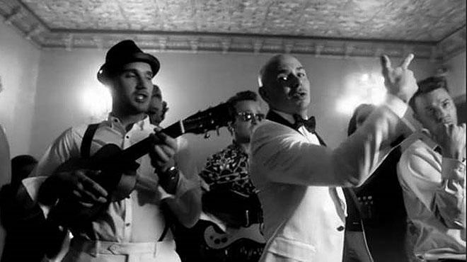 Pitbull estrena el video de su nuevo single 'Fireball'