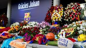 Una imagen del memorial a Johan Cruyff en el Camp Nou.