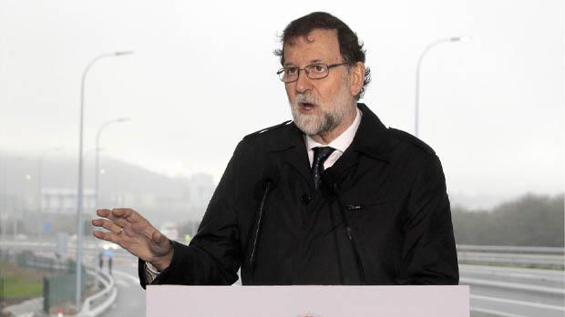 Rajoy afirma que las inversiones en infraestructuras mejoran la calidad de vida y ayudan al crecimiento económico.