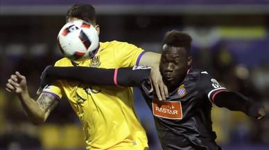 Un gol de Reyes salva l'Espanyol en la seva estrena a la Copa a Alcorcón