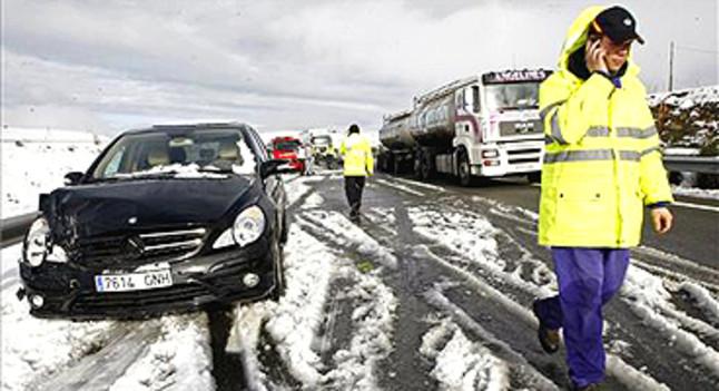 La mayor parte de espa a se encuentra en alerta por las fuertes lluvias el viento y la nieve - Caser asistencia en carretera telefono ...