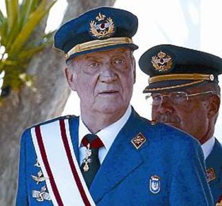 El rey entrega los Reales Despachos en la Academia General del Aire 1341521046470