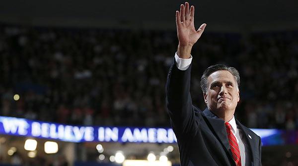 El político republicano promete empleo y reducir el déficit en la confirmación de su candidatura republicana a la presidencia.