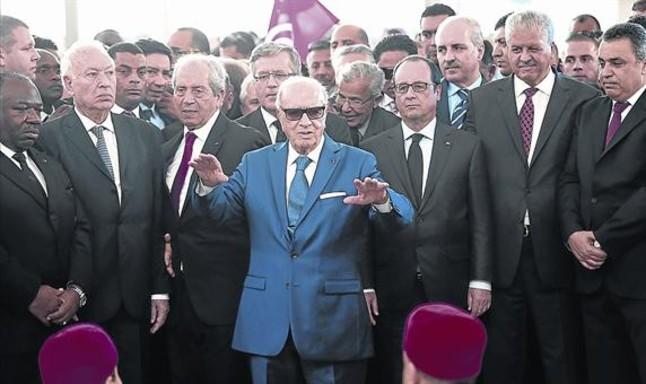 Túnez. Democracia e islamismo a golpe de talonario - Página 3 1427665934970