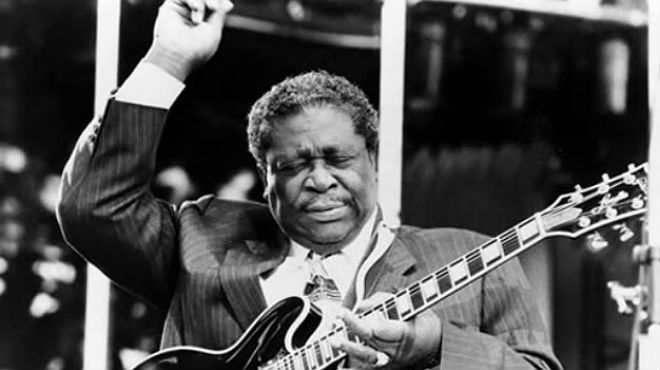 B. B. King interpreta Lucille