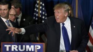 Trump reacciona tras los resultados en las primarias de Nuevo Hampshire, el 9 de febrero.