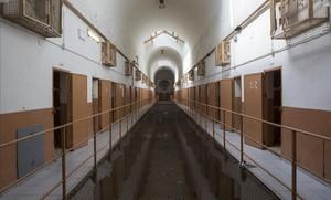 Uno de los pasillos de la cárcel Modelo, pocos días antes de su cierre definitivo.
