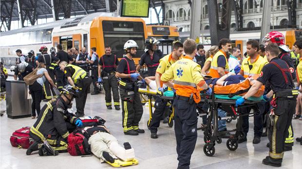 Barcelona roza la tragedia con 56 heridos en un accidente ferroviario