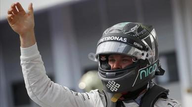 El alem�n Nico Rosberg celebra, en Budapest, su cuarta 'pole' del a�o.