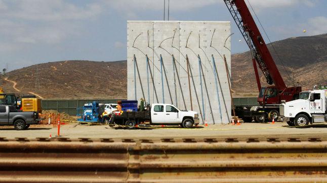 Comença el concurs per construir el mur de Mèxic