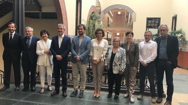 Foto de familia de administraciones e instituciones en apoyo a la candidatura para la Agencia Europea del Medicamento.