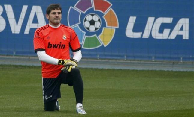 Mourinho devuelve la titularidad a Casillas