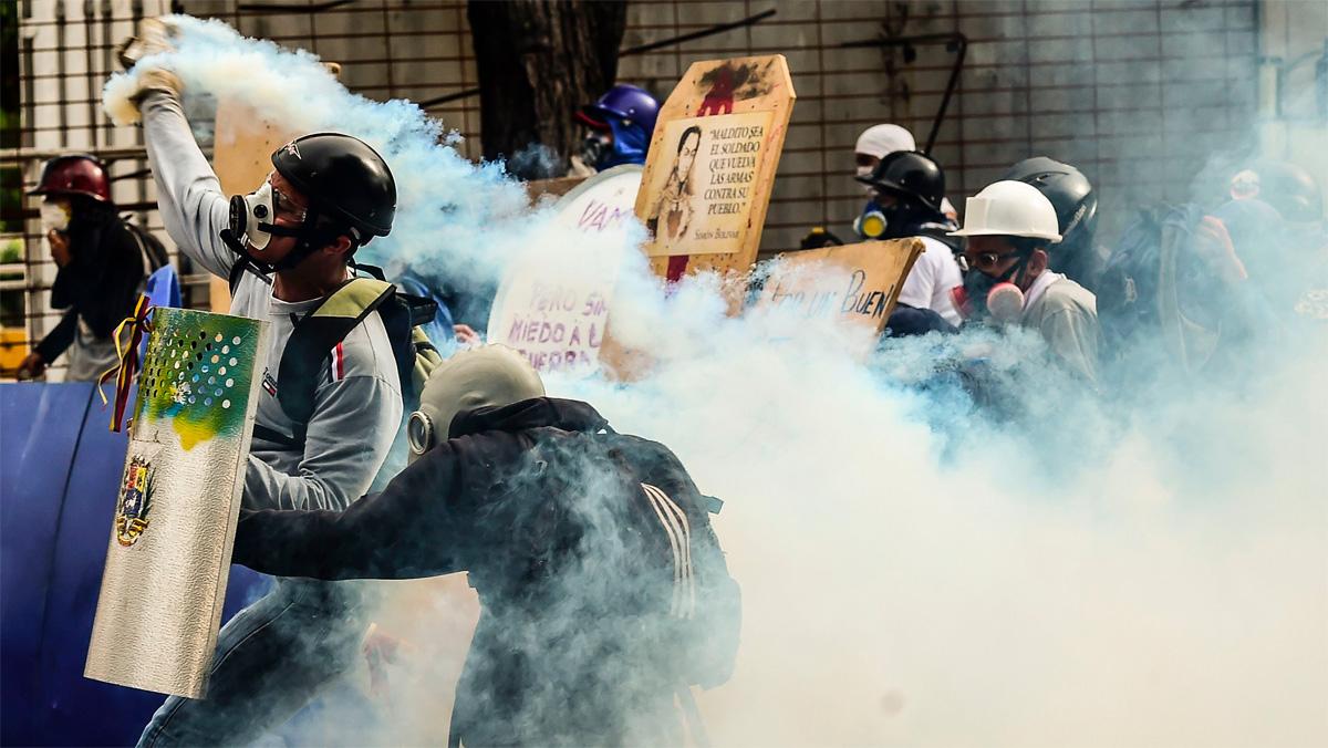 Les protestes contra Maduro col·lapsen Caracas