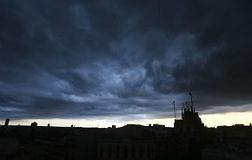 La lluvia amenaza al 'correfoc' y al piromusical