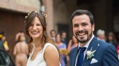 Alberto Garzón es defensa dels que van criticar el seu casament