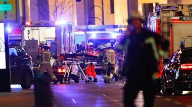 """Testimonis de l'atropellament en un mercat de Berlín: """"No ha parat, ha continuat"""""""