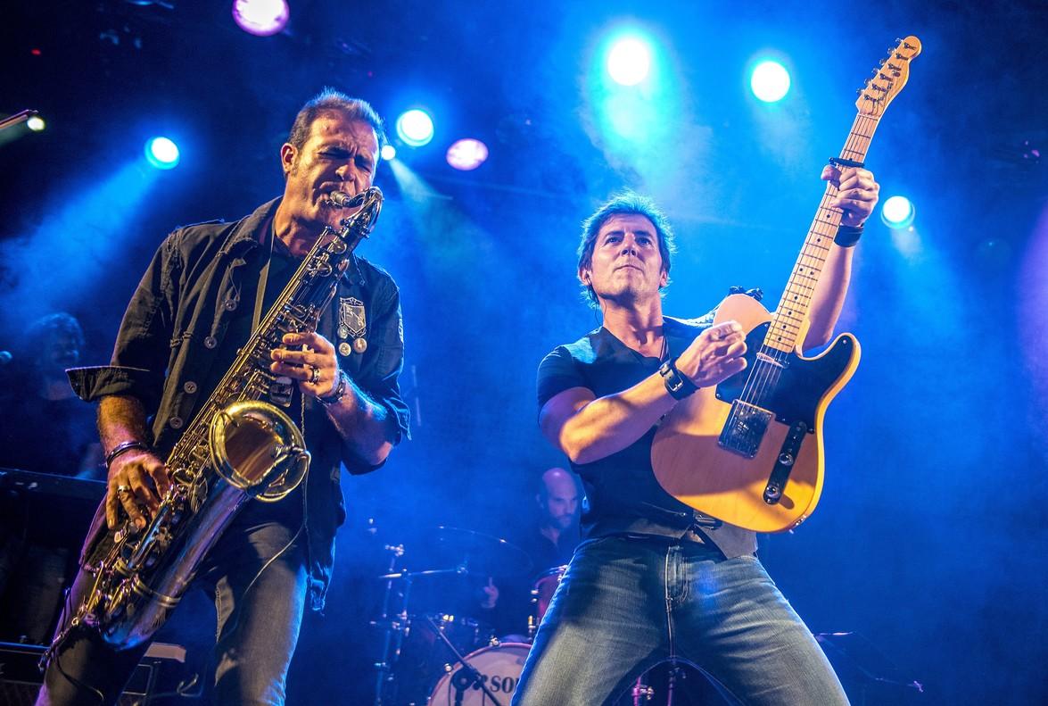 Presentacion de Born to Run la autobiografia de Bruce Springsteen en Bikini con Manel Fuentes yThe Spring's Team
