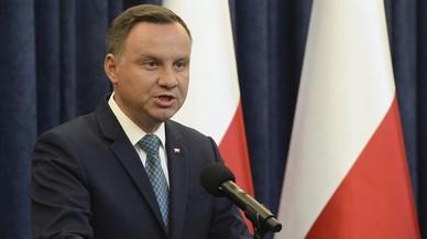 El presidente polaco firma una de las tres polémicas leyes de la reforma de la Justicia