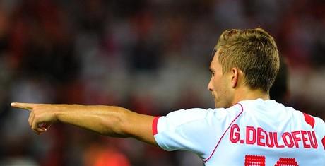 Deulofeu celebra su gol contra la Real Sociedad en el S�nchez Pizju�n.