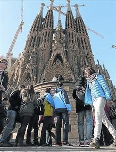 Largas colas para acceder a la Sagrada Família.
