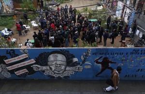 Protesta vecinal contra el acuerdo que libra de la cárcel a los Mossos dEsquadra culpables de la muerte de Benitez en el Raval.