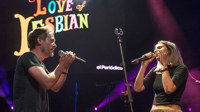 Concierto Som M�sica Directa. Love of lesbian y Zahara cantan 'Domingo astrom�ntico'