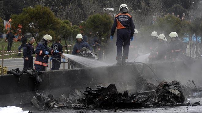Almenys cinc morts a l'estavellar-se un helicòpter a Istanbul