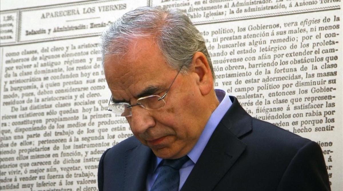 Alfonso Guerra apoya la abstención del PSOE a la investidura de Rajoy