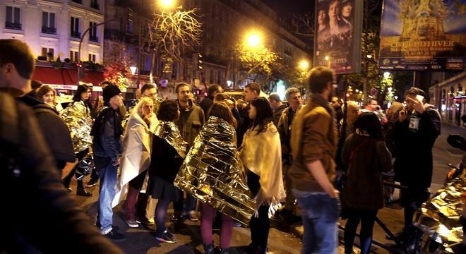 Més de cent morts en una onada d'atemptats a París