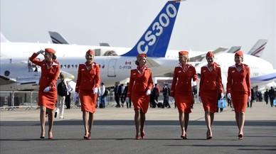 Azafatas de cabina de Aeroflot, durante el Internacional Paris Airshow, en Le Bourget, el 16 de junio del 2015.