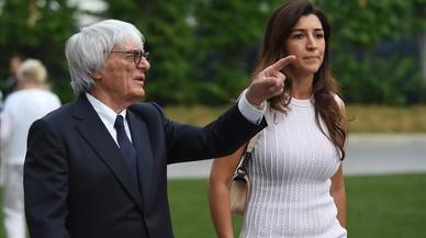 Bernie Ecclestone, con su �ltima esposa, Fabiana Flosi, en un gran premio de F-1.