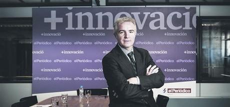 Ignasi Biosca posa en la sala del consejo de redacci�n de EL PERI�DICO ante de una entrevista.