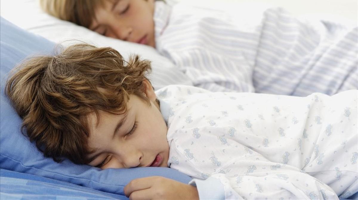 Requisits per dormir bé: ni sorolls, ni llum, ni calor