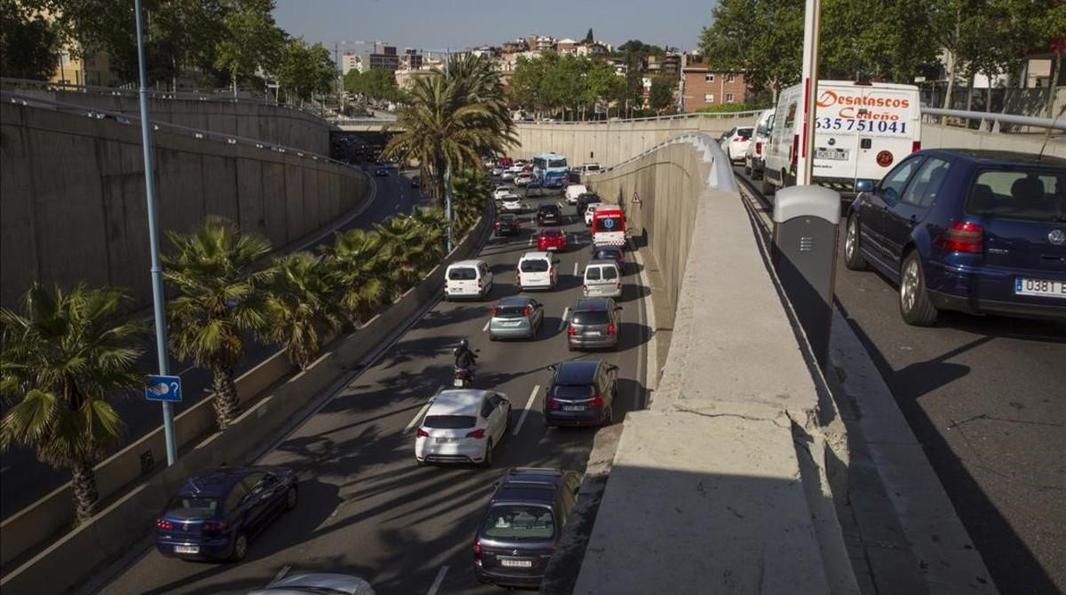 Un millón de coches contaminantes no podrán circular por Barcelona a partir del 2020