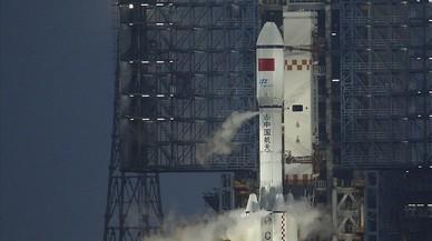 China lanza su primera nave de carga y da un paso en su ambición espacial
