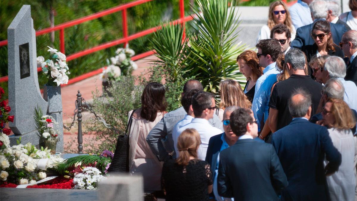 Los restos mortales de Blesa descansan ya en el panteón familiar de Linares