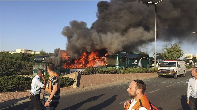 Vint ferits en un atemptat amb bomba contra un autobús urbà a Jerusalem