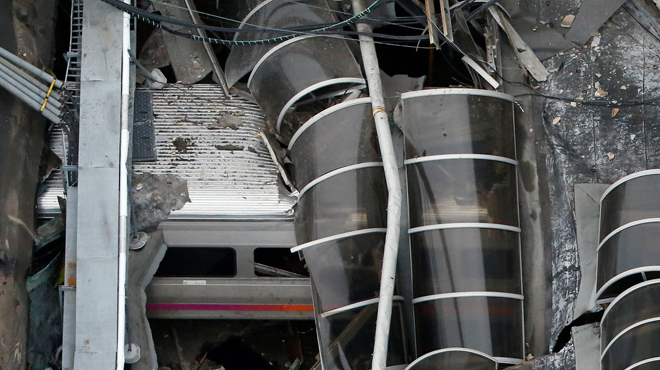 Un muerto y decenas de heridos al estrellarse un tren en Estados Unidos