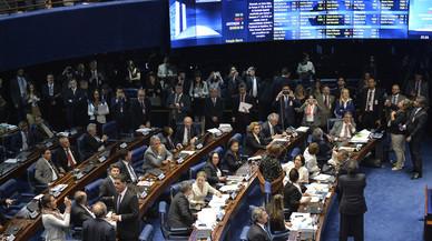 El Senat del Brasil aprova continuar el procés per destituir Rousseff