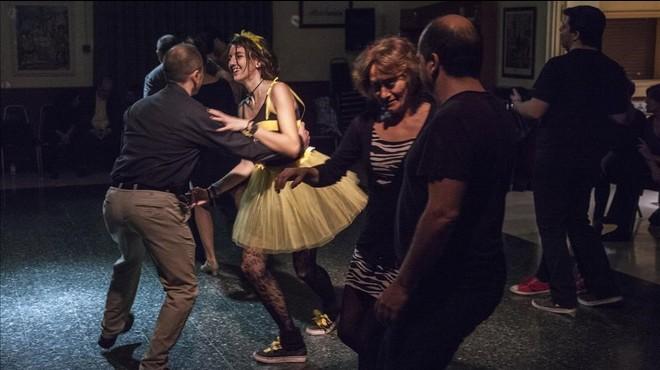 Bailarines en la velada Friday's Tandem, en la Casa de Val�ncia, esta semana.
