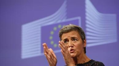 Bruselas acusa a Facebook de engañarles con la compra de Whatsapp